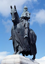 Robert the Bruce at the borestone, Bannockburn, Stirling. Charles d'Orville Pilkington Jackson (1887-1973). Bronze statue, 1964